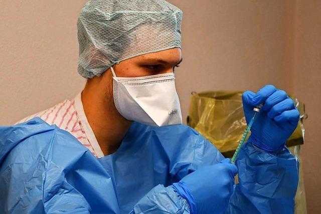 1000 Senioren bekommen in Titisee ihre erste Impfung