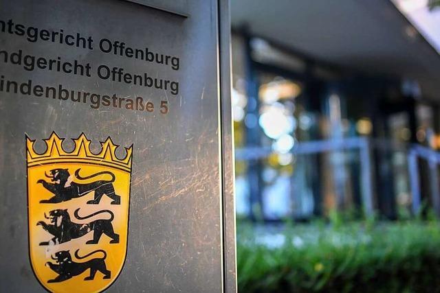 Vater bestreitet die Vergewaltigung seiner leiblichen Tochter vor dem Landgericht Offenburg