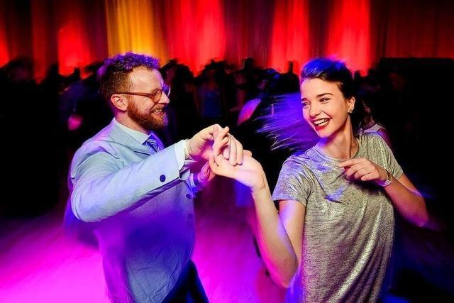 Tanzen Sie den Discofox zu Hause mit der Tanzschule Gutmann!