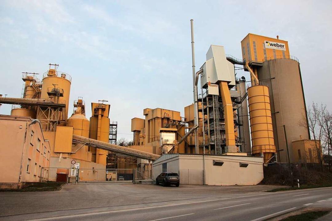 Im Kalkwerk in Merdingen wird der im d...bruch abgebaute Kalkstein verarbeitet.  | Foto: Mario Schöneberg