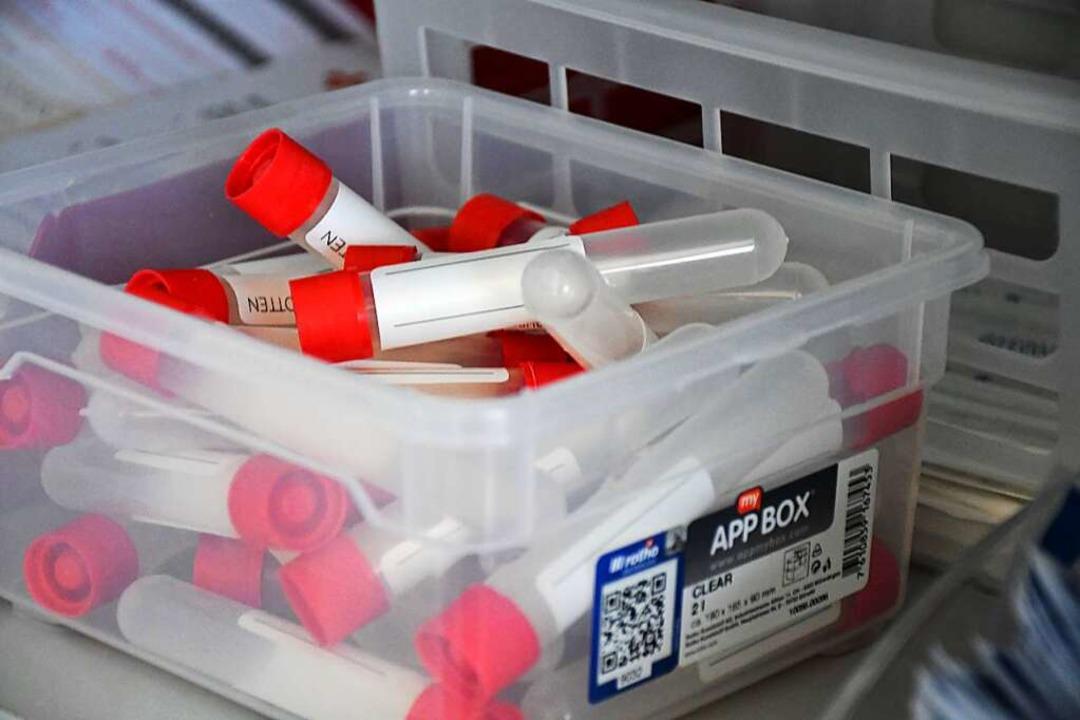Das Testen spielt eine zentrale Rolle ...len Strategie der Pandemie-Eindämmung.  | Foto: Barbara Ruda