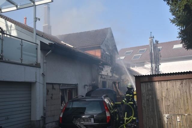 In der Himmelreichstraße in Schopfheim brennt ein Wohnhaus ab