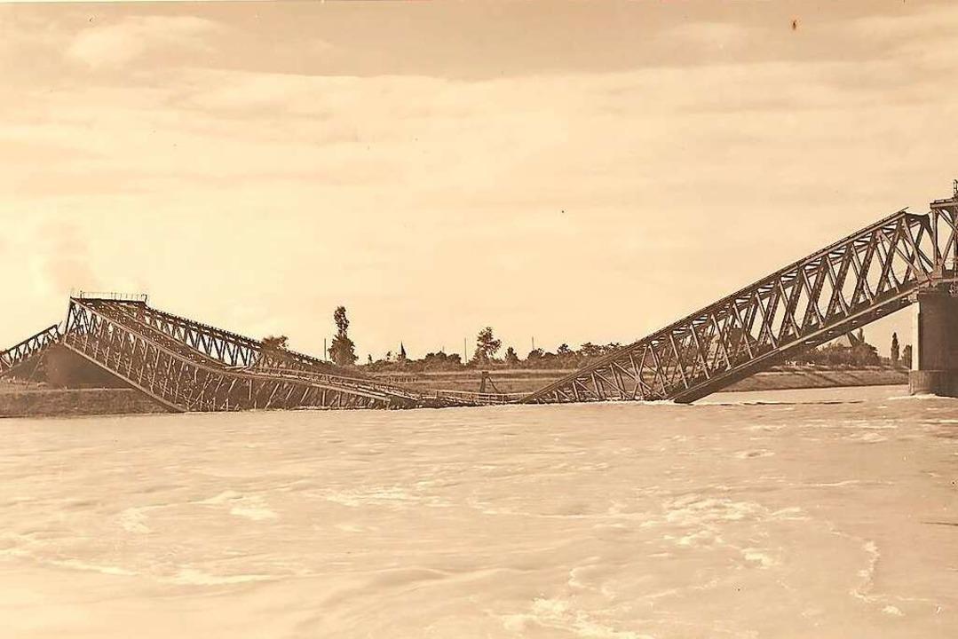 Ein Bild der Brücke aus besseren Tagen...ert  hat  sie  der Maler Otto Rümmele.  | Foto: Stadtarchiv Neuenburg