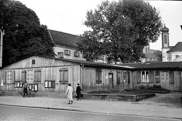 Ein Foto von 1956 zeigt den Freiburger Rotteckring noch mit Behelfsbauten