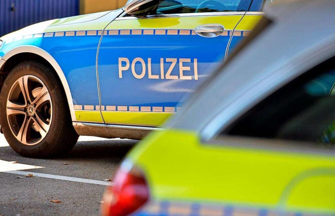 Die Polizei musste am Osterwochenende ... Corona-Partys ausrücken (Symbolbild).  | Foto: Michael Bamberger