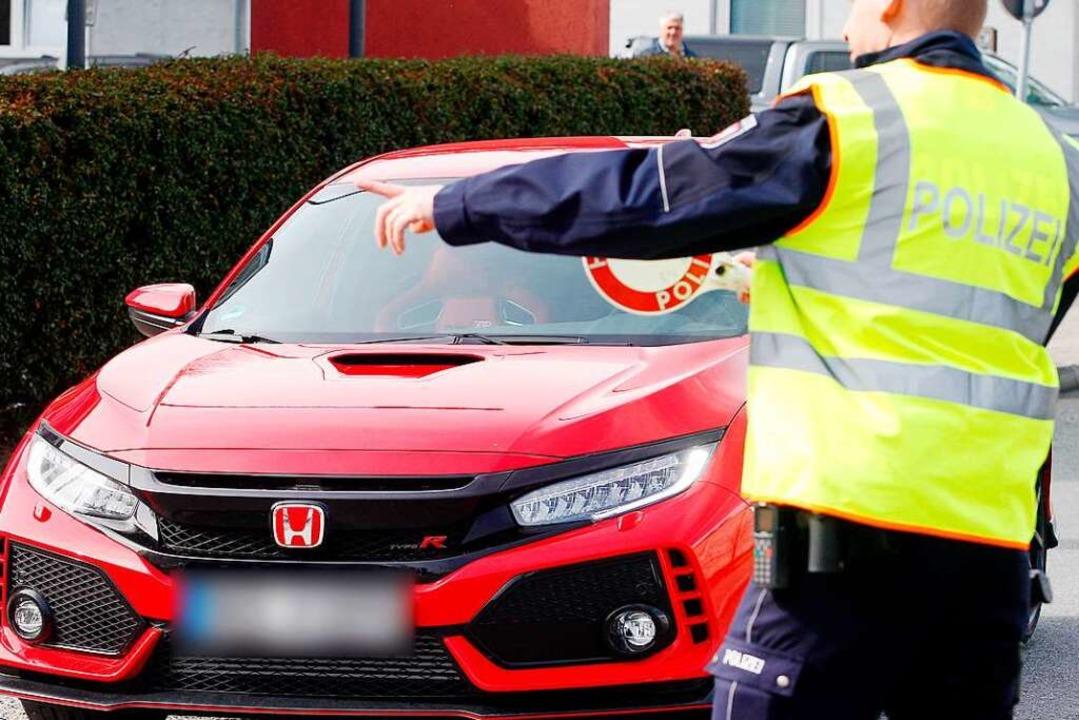 Car-Freitag nennt die Tuning-Szene ihr...te diverse Verstöße fest (Symbolfoto).  | Foto: Roland Weihrauch