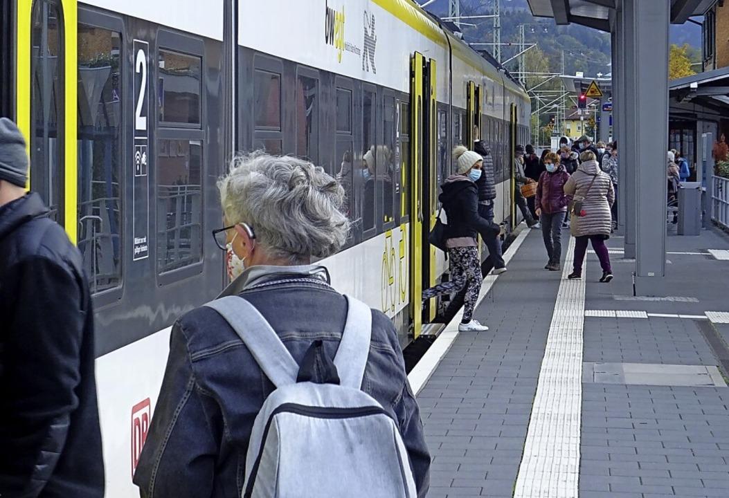 Die Fokussierung aller Buslinien auf d...ht man im Rat als Verschlechterung an.  | Foto: Markus Donner