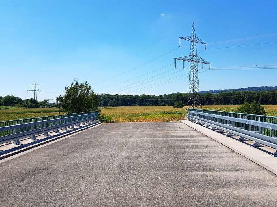 Brücke, Lockdown oder Brücken-Lockdown? So endet die B 31a bei Gottenheim.  | Foto: Sebastian Wolfrum
