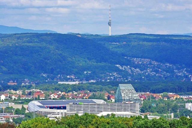 Auf dem Basler Wasserturm liegt das Dreiland komplett zu Füßen