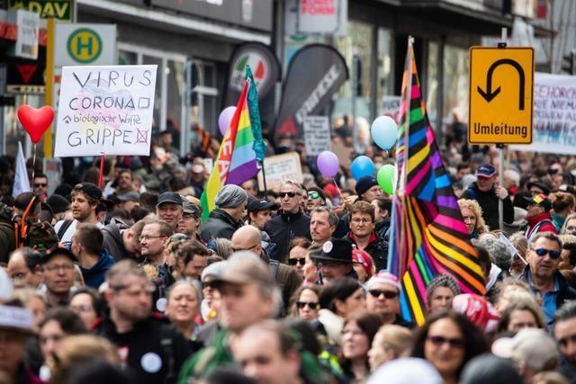 Gegenseitige Schuldzuweisungen nach Querdenker-Demo in Stuttgart