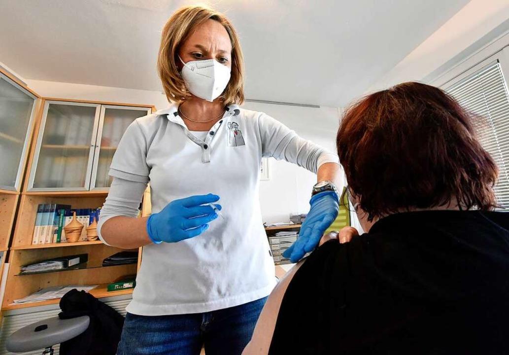 Sprechzimmer statt Impfkabine: Neuerdi...tpraxen gegen das Coronavirus geimpft.  | Foto: Michael Bamberger