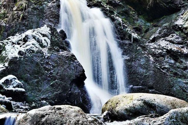 Am Falkauer Wasserfall rauscht die Haslach