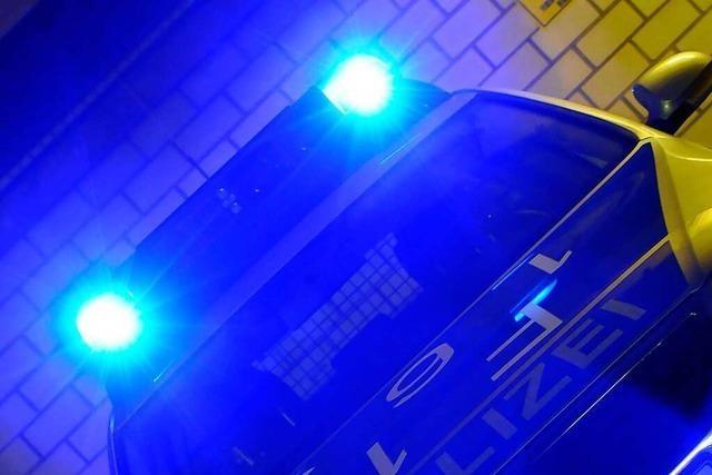 Straßenräuber überfällt 18-Jährigen im Stühlinger