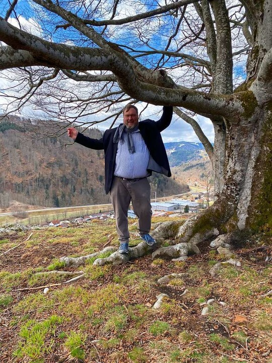 Hoch hinaus: Bürgermeisterkandidat Har...Utzenfluh – seinem Lieblingsort.  | Foto: Privat