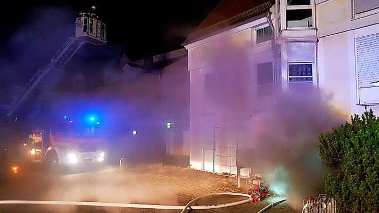 Feuerwehreinsatz mit Drehleiter am Gerberbach in Offenburg.  | Foto: Feuerwehr Offenburg