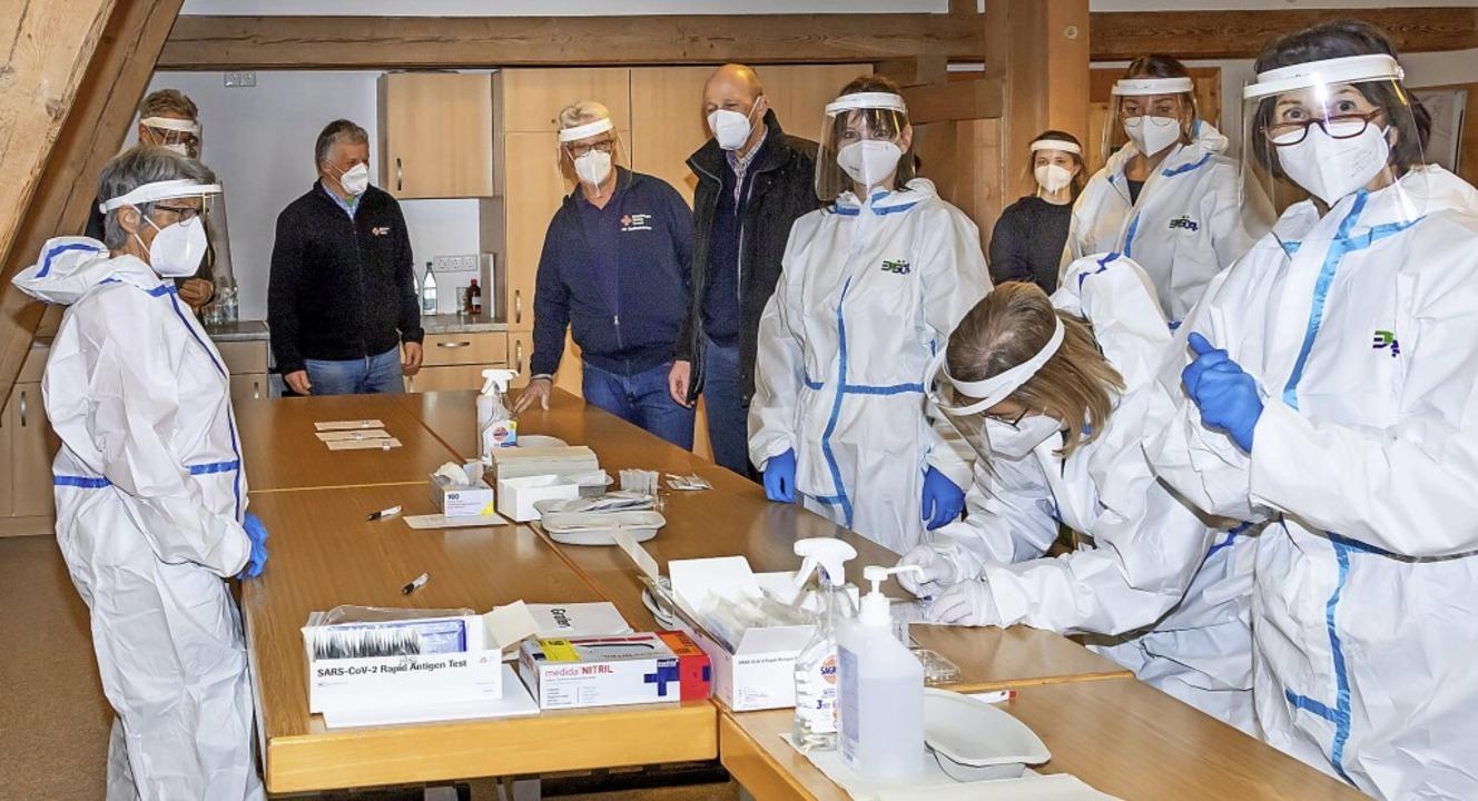 Ein geschultes DRK-Team übernimmt Bürger-Testungen im Hagehus Grafenhausen.     Foto: Wilfried Dieckmann