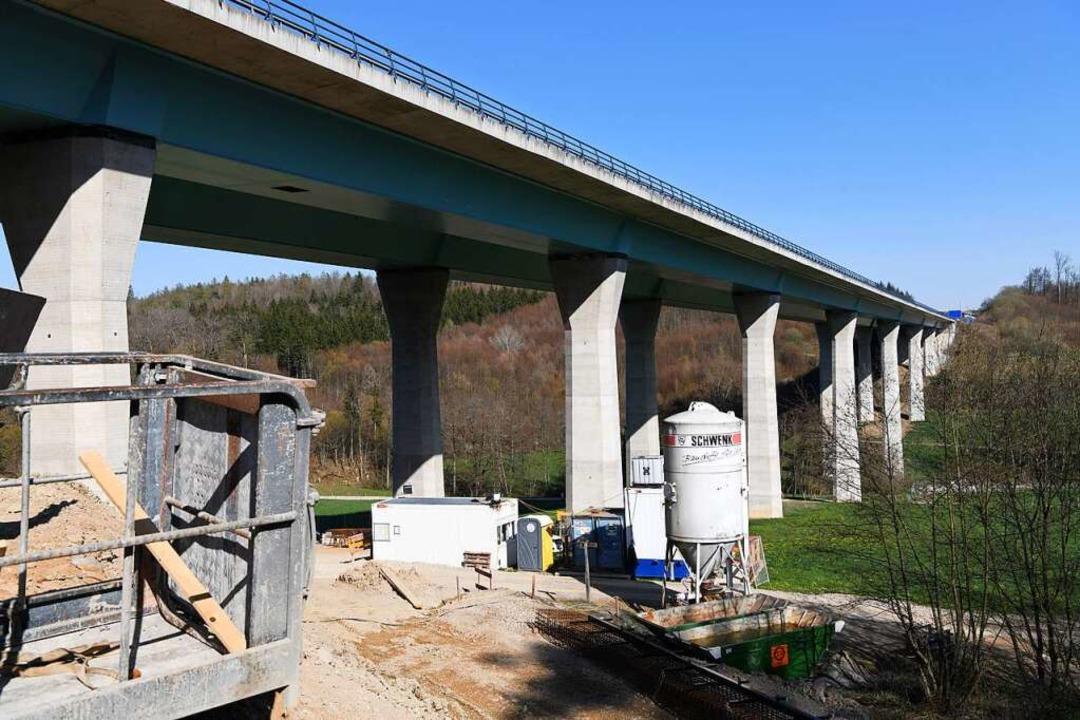 Die Baustelle am westlichen Brückenlager  | Foto: Juri Junkov