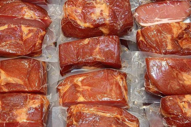 Mann will 700 Kilo Fleisch und eine Tonne Maniok in die Schweiz schmuggeln