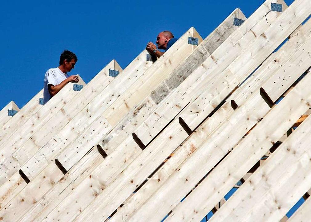 Gefragter Baustoff: Holz    Foto: Patrick Pleul