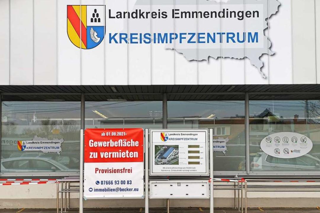 Blick auf das Kreisimpfzentrum in einem Gewerbegebiet im Norden Kenzingens.  | Foto: Patrik Müller