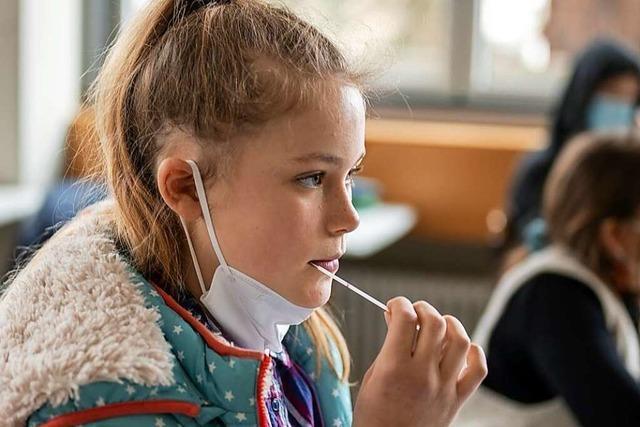 Klassenweise Lollitests an allen Freiburger Grundschulen beschlossen