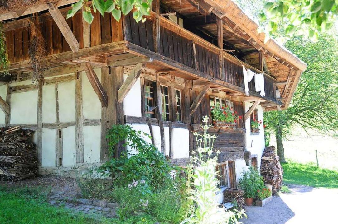 Ein aus dem 17. Jahrhundert übrig gebliebenes Kleinod  ist der Schneiderhof  | Foto: Robert Bergmann