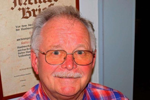 Als leidenschaftlicher Elektrotechniker ist Erich Hinze seit 55 Jahren