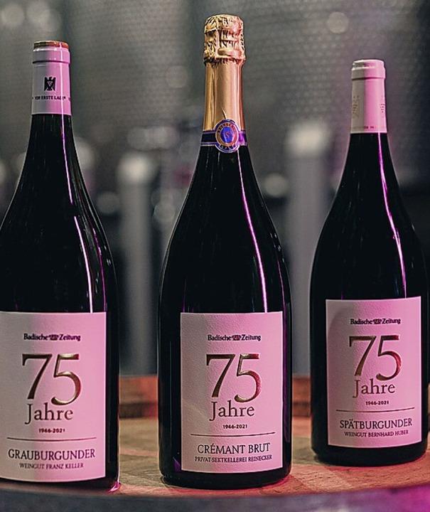 Die beiden Weine und der Sekt des Jubiläumspakets  | Foto: Johannes Meger Photography