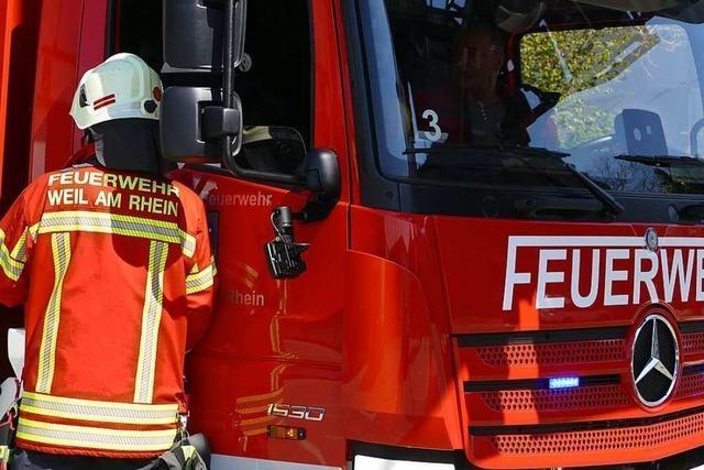 Feuerwehr löscht Brand in einer Hundepension in Weil am Rhein