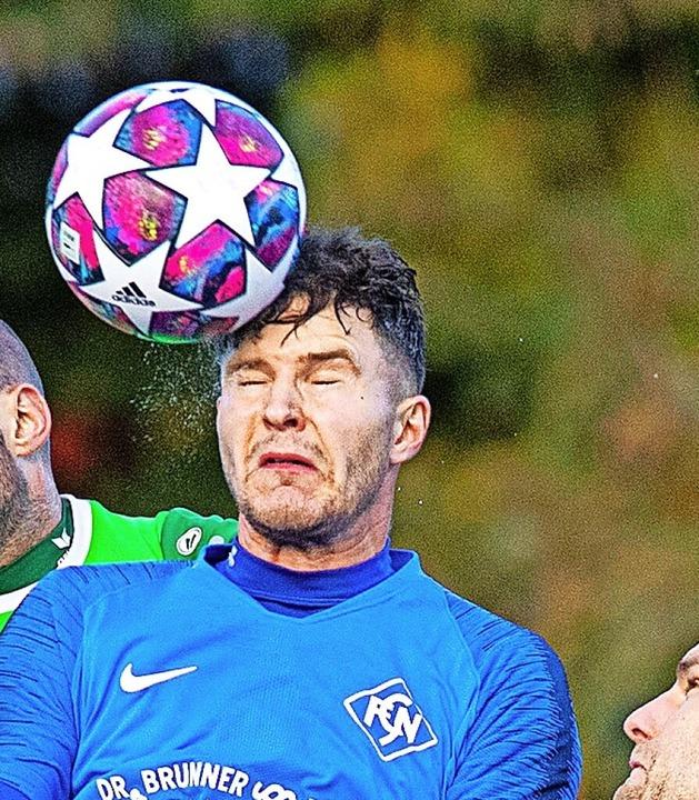 Einmal Fußballer, immer Fußballer: Fabian Papa  | Foto: Wolfgang Scheu
