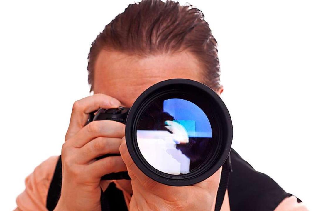 Wer richtig gute Fotos von jemandem ma...e Kamera mit verschiedenen Objektiven.  | Foto: Schwoab  (stock.adobe.com)