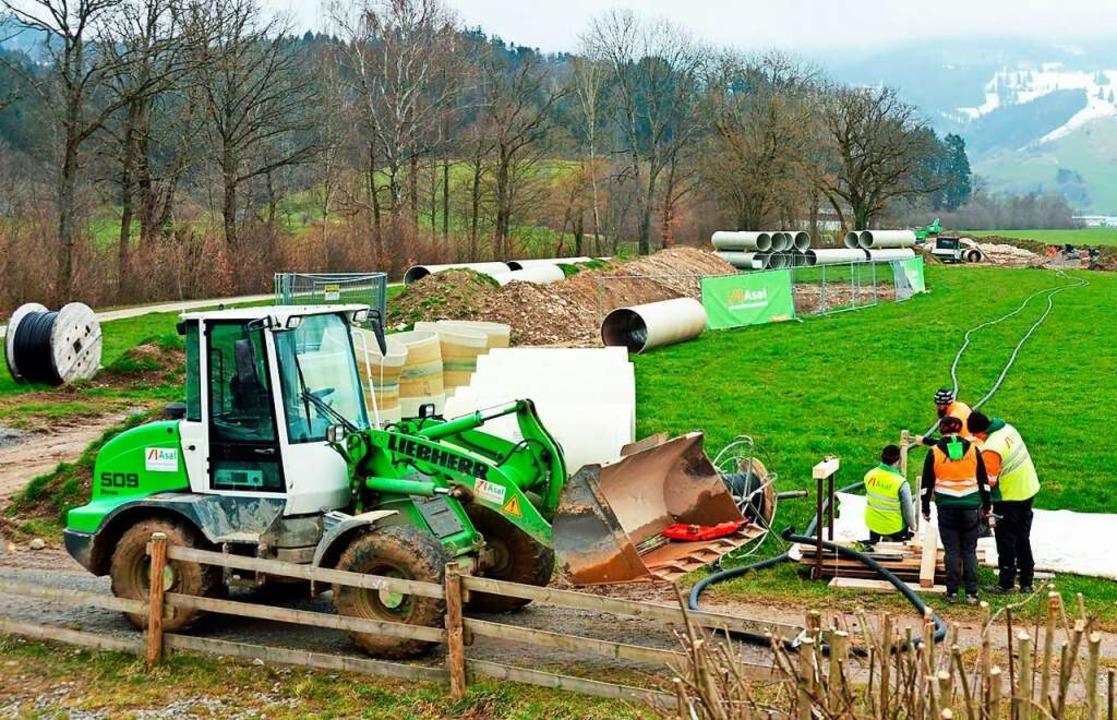 Eine Großbaustelle befindet sich derze... Wasserkraftwerk erneuert werden muss.  | Foto: Gerhard Lück