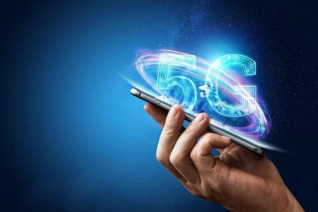 Heilsbringer oder Teufelszeug?  Um den Mobilfunkstandard 5G wird gestritten.  | Foto: markoaliaksandr (Adobe Stock)