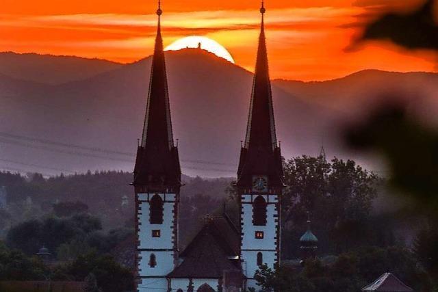 Kitschiger Sonnenuntergang in Kenzingen
