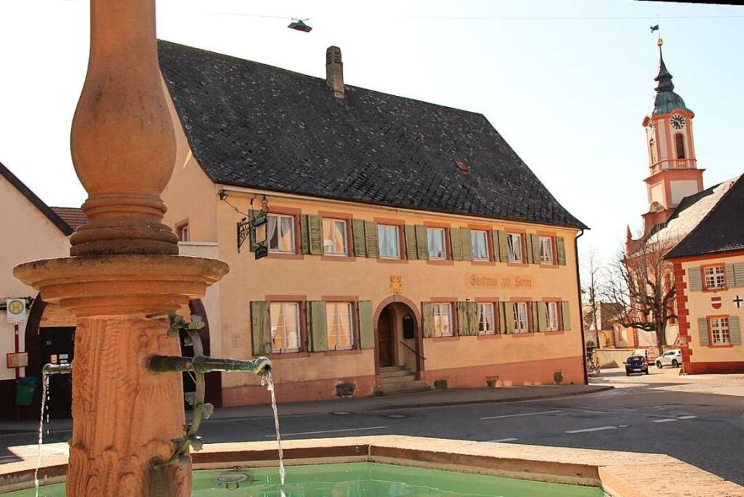 Das Jahrhunderte alte  Merdinger Gasthaus Sonne ist seit März geschlossen.    Foto: Mario Schöneberg