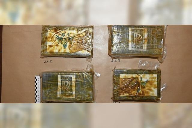 Spürhunde erschnuppern vier Kilogramm Kokain