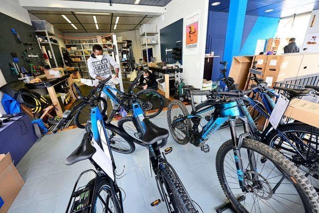 Im früheren Fell-Shop in Freiburg-Ebnet werden nun E-Bikes verkauft