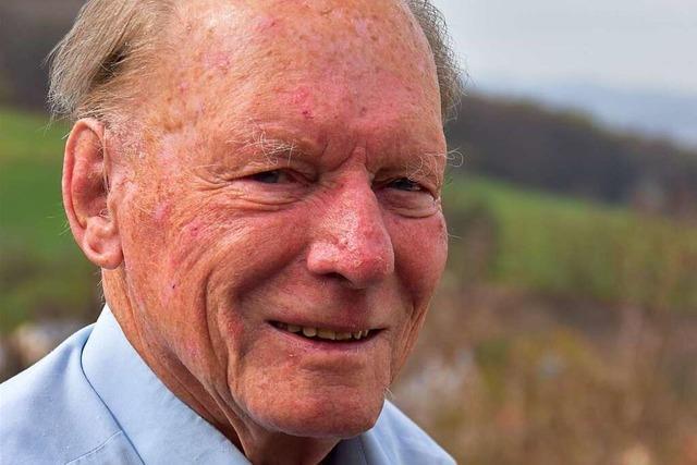 Gustav-Adolf Schröder, engagiert im Inzlinger Schlossverein, feiert 90. Geburtstag