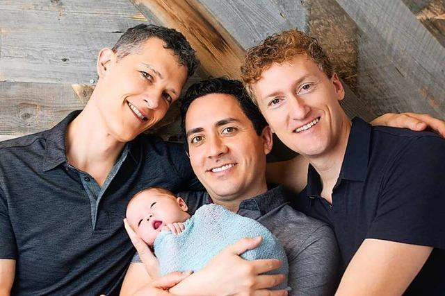 Ungewöhnlich normal: Eine Familie mit einem Baby – und drei Vätern