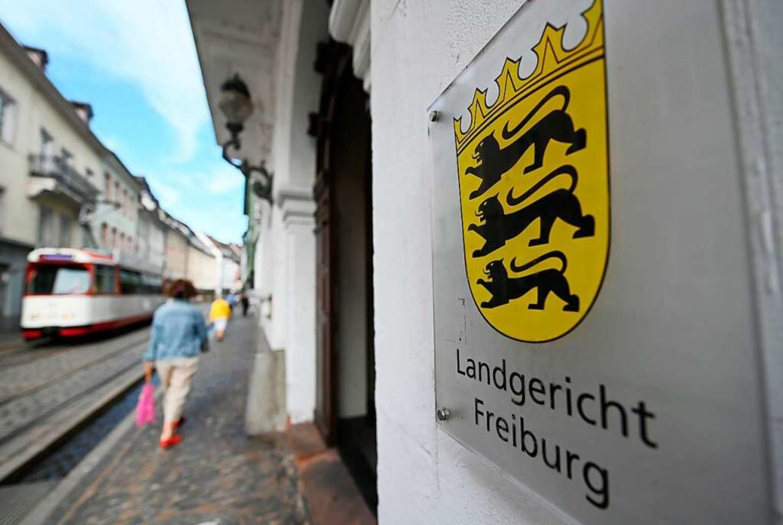 Am Landgericht Freiburg musste sich ei...iger Ex-Polizeianwärter rechtfertigen.    Foto: Patrick Seeger