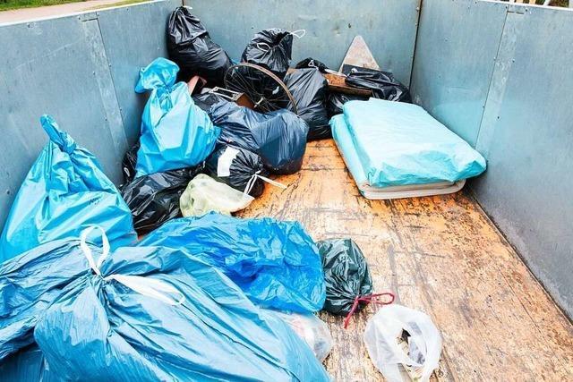 Waldkirch sammelt 250 Kilogramm Siedlungsabfälle bei Stadtputzete