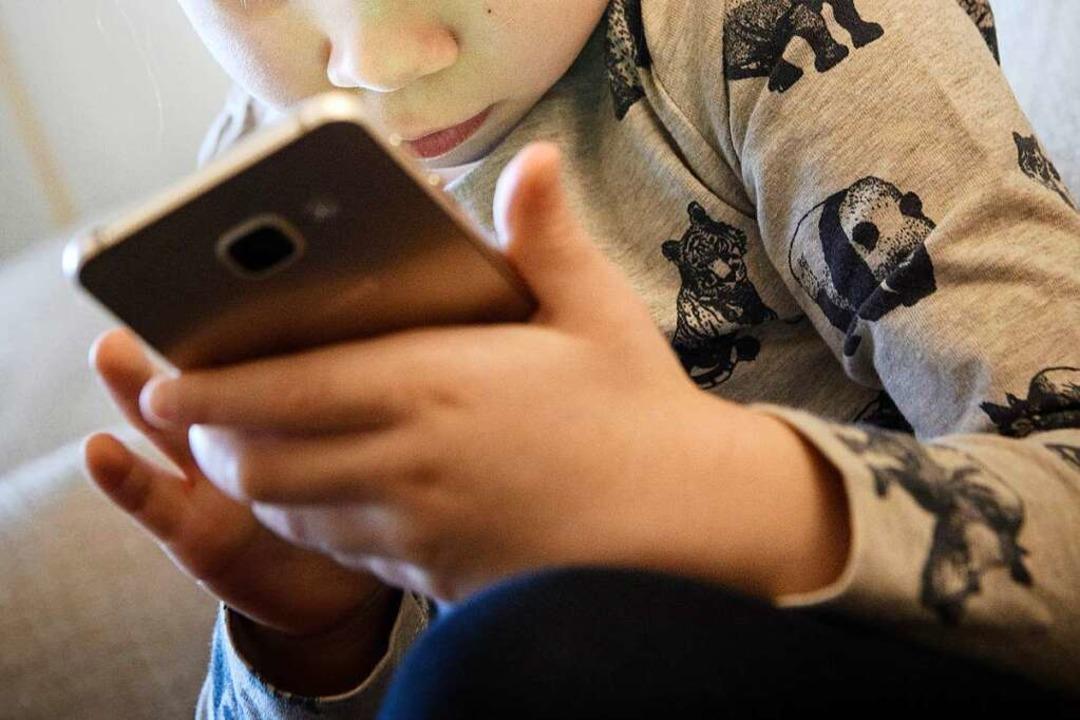 Zu digitalen Medien gab es 2020 deutlich mehr Anfragen als üblich.  | Foto: Hans-Jürgen Wiedl