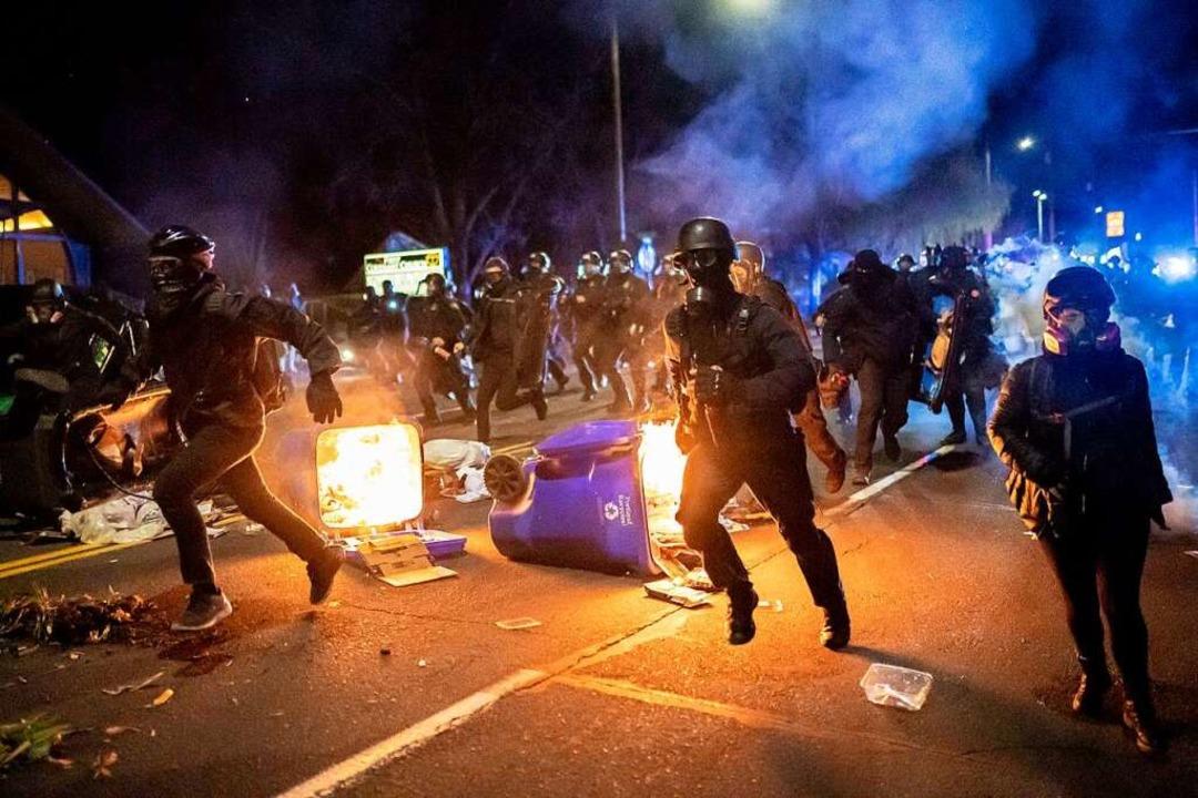 Nach der tödlichen Tragödie kam es in Minneapolis wieder zu Unruhen.  | Foto: Nathan Howard (AFP)