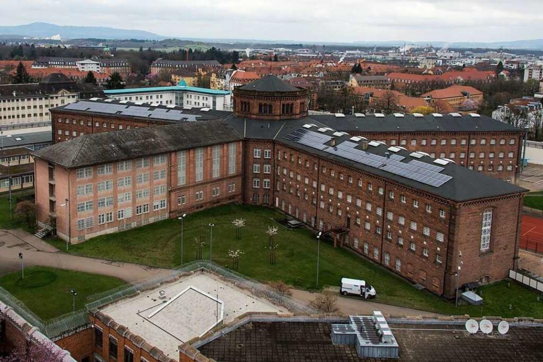 In der Justizvollzugsanstalt Freiburg ...20 zu einem Mordversuch gekommen sein.  | Foto: Patrick Seeger (dpa)