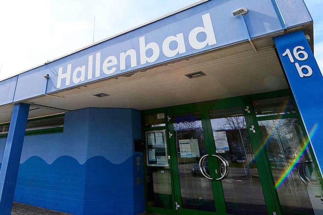 Möglicherweise ist das Hochdorfer Bad ... geschlossen, wie zunächst befürchtet.  | Foto: Ingo Schneider