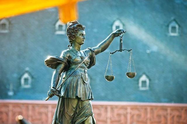 18-jähriger Elztäler wegen Beihilfe zu Raub und Körperverletzung verurteilt