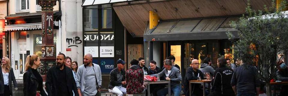Die Schweiz lockert Corona-Regeln trotz steigender Infektionszahlen