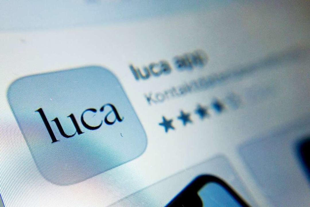 Die App Luca dient der Datenbereitstel...ögliche Kontaktpersonennachverfolgung.    Foto: Christoph Soeder (dpa)