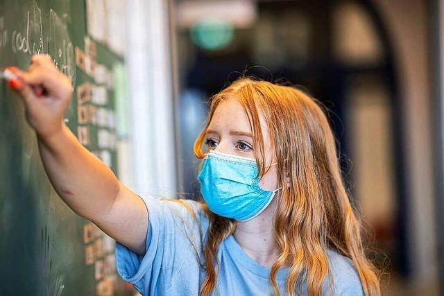 Zwei Familienrichter hebeln Maskenpflicht an Schulen aus
