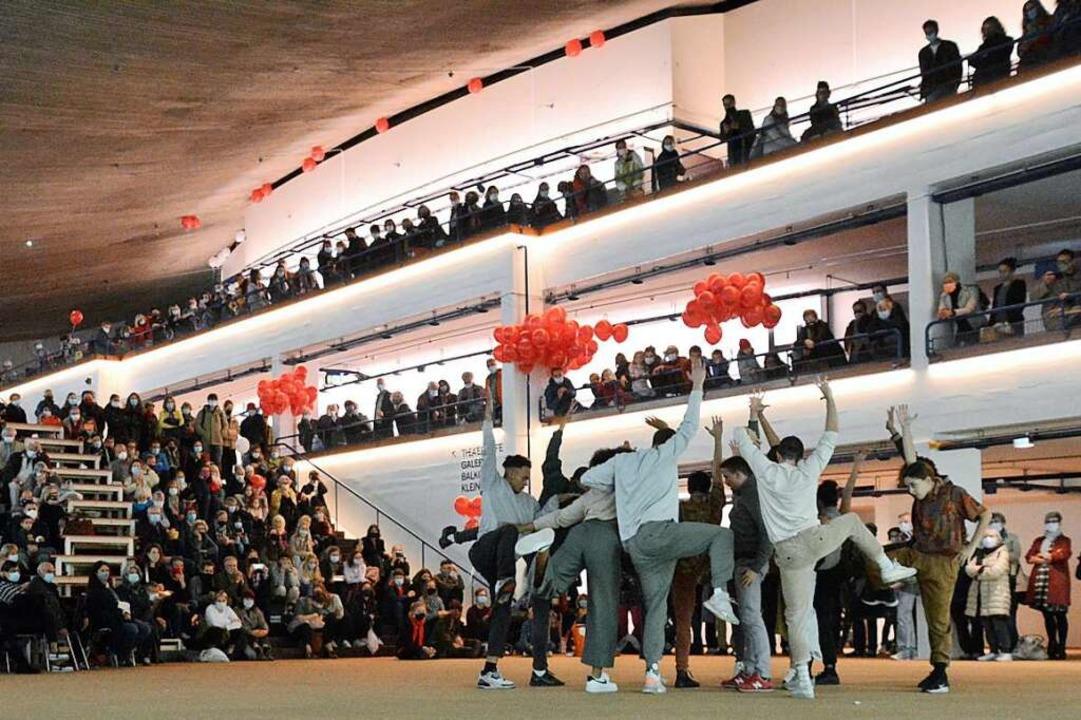 Auftreten vor Publikum – das geh...el der Sitzplatzkapazität belegt sein.  | Foto: Annette Mahro